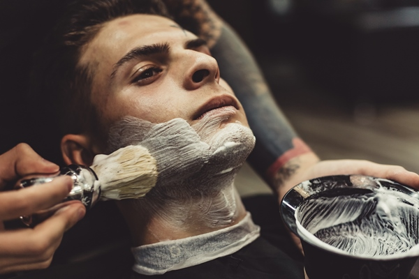 Shave facial hair like an expert to avoid risks of damaging the skin and hair.