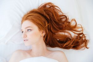Know the right methods in cleansing wavy tresses.