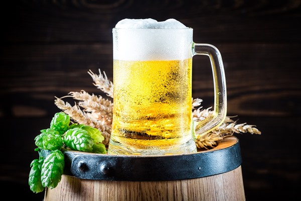 Discover the benefits of drinking beer for a beautiful hair.