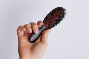 Mixed bristle hair brush